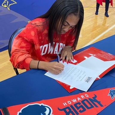 Hannah Stoutmire signs with Howard University