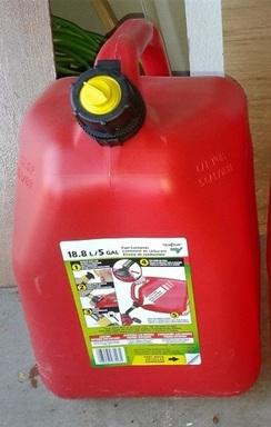 5 Gallon premium gas container.jpg
