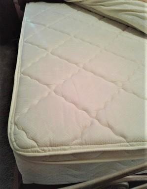queen mattress 1.jpg