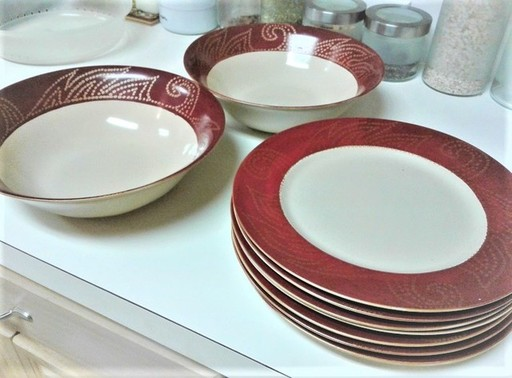 Fancy plates and bowls.jpg